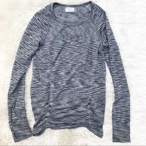 ATHLETA Gray Marled Long Sleeve Ruched Top